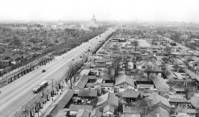 1965年北京西長安街,從西單向西看,可以看見中央人民廣播電台。
